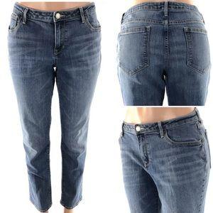 3/20❤️ Old Navy Straight Jeans 12 Regular